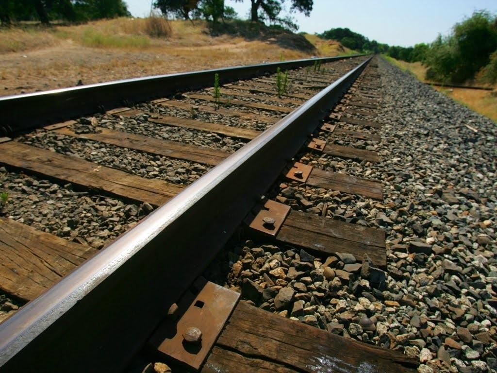 إنشاء السكك الحديدية